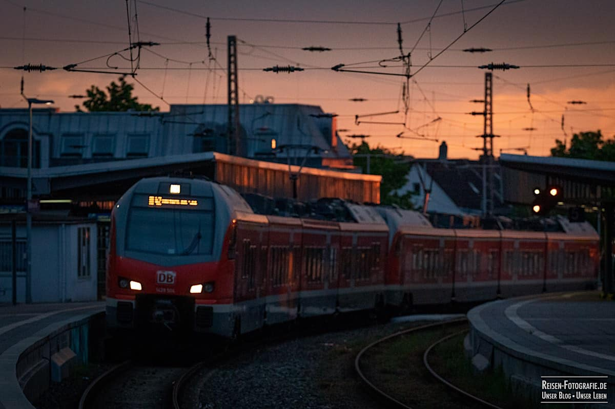 Am Bahnsteig in Mülheim