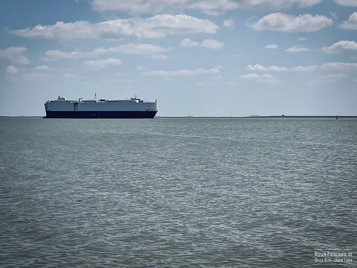 Schiff auf der Ems